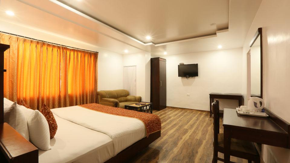 Deluxe Room at Alps Resort Dalhousie 2