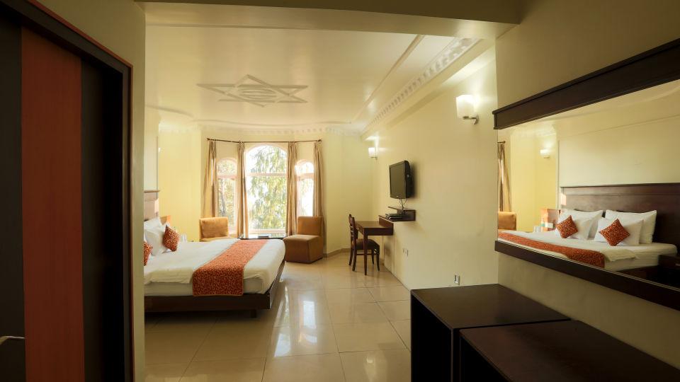 Deluxe Room with garden view at Alps Resort Dalhousie 7
