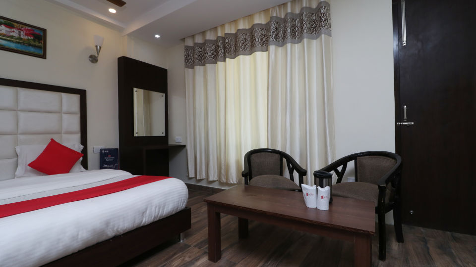 Hotel rooms in Dalhousie, Stay in Dalhousie, Amara Blue Magnets, Dalhousie-1