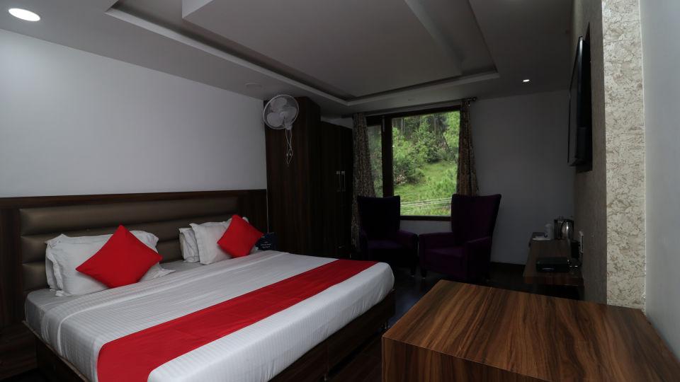Well-furnished hotel room in Dalhousie, Stay in Dalhousie-3, Amara Blue Magnets, Dalhousie-7