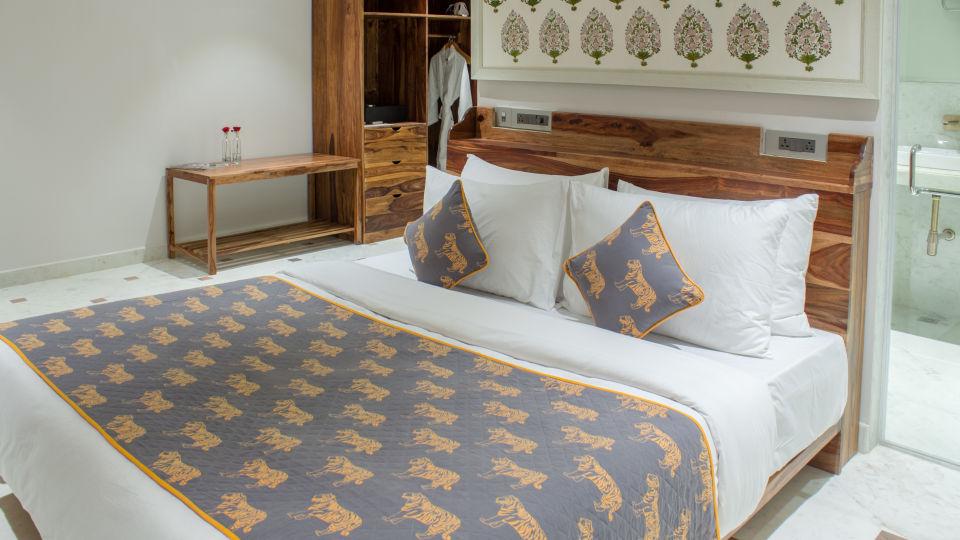 suite - bedroom 5 1