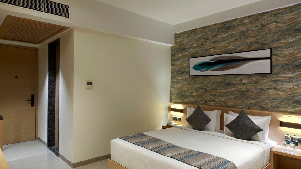 Click Bangalore Room 15483
