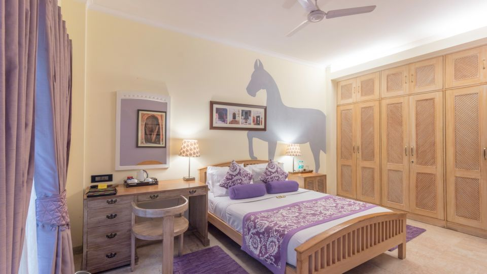 Best Rooms in Central Delhi, Colonels Retreat, Hotels Near The Airport 7