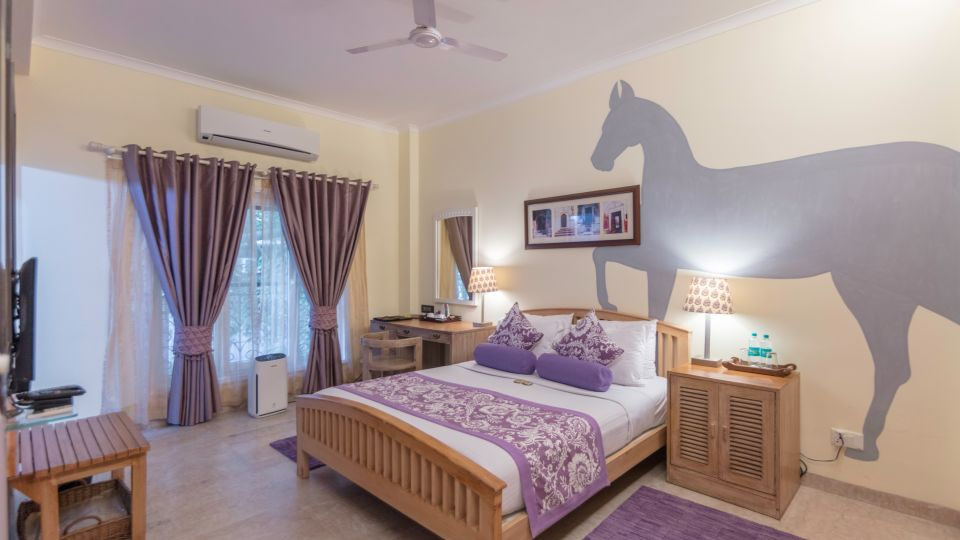 Standard Rooms,Colonels Retreat, Hotels Near The Airport 5