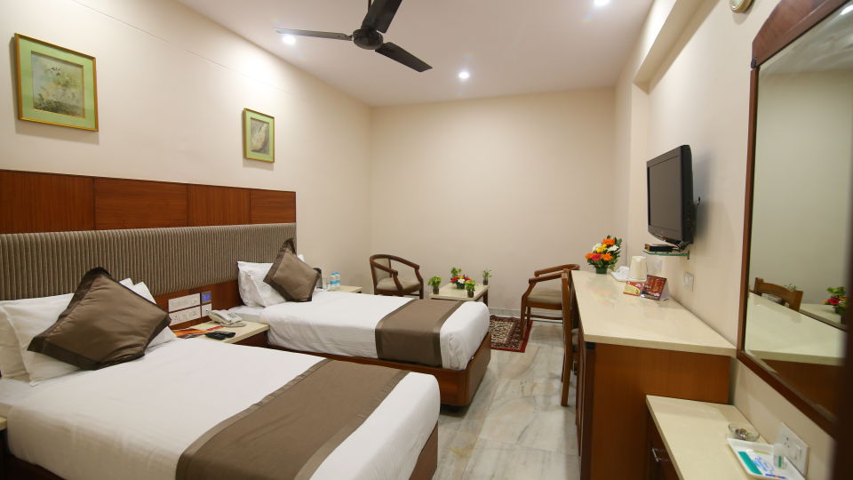 Bussiness Club Twin Beds at Hotel Daspalla Executive Court Vishakapatnam 1