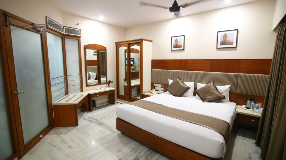 Suite at Hotel Daspalla Executive Court Vishakapatnam 2