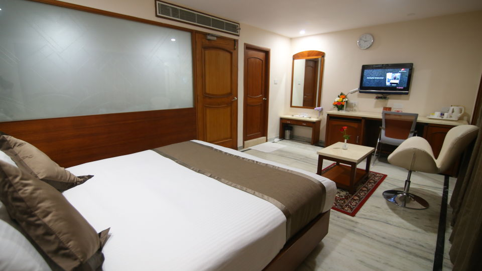 Suite at Hotel Daspalla Executive Court Vishakapatnam 5