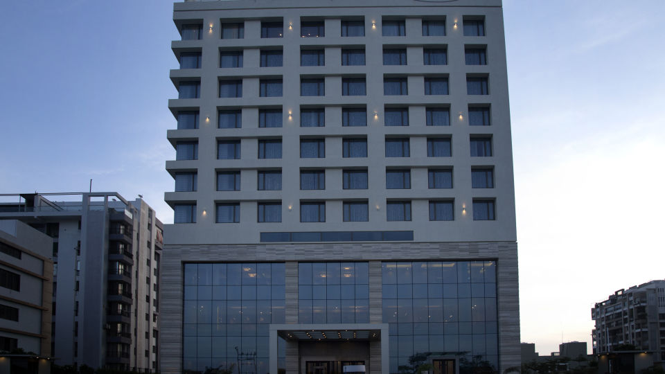 Efcee sarovar portico, business hotels in bhavnagar