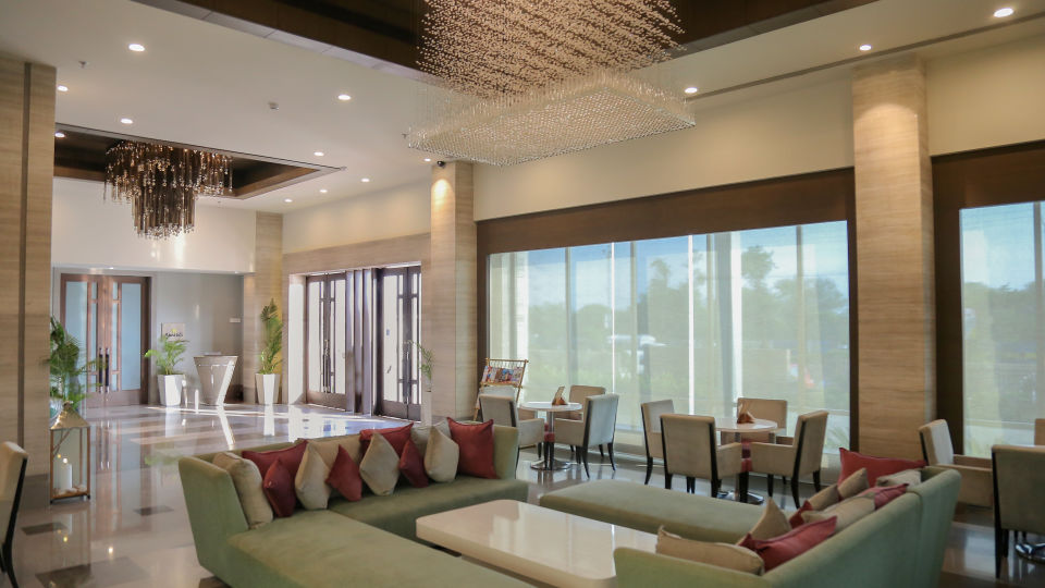 Lobby in Bhavnagar, efcee sarovar portico, business hotels in bhavnagar  2047