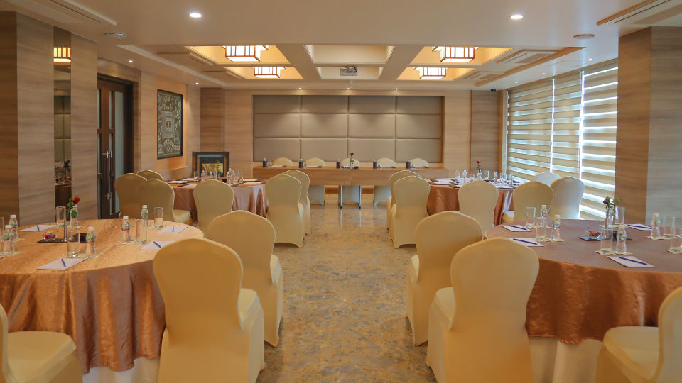 Meeting and Events at Efcee Sarovar Portico , Hotels in Bhavnagar  3