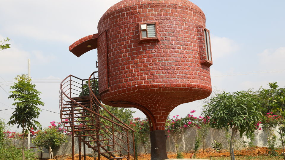 Shaking Dome House