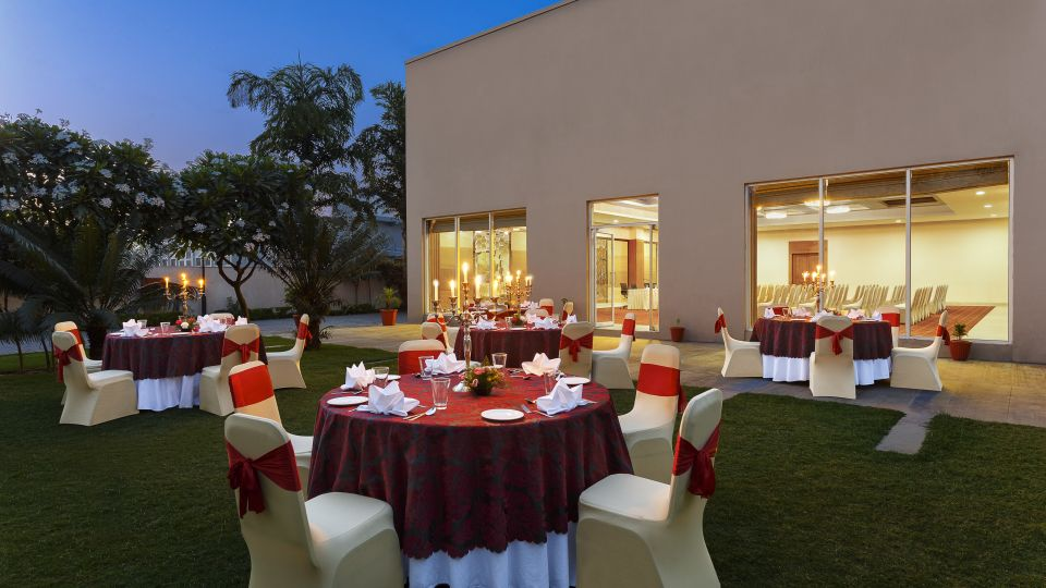Banquet Halls, Hometel Roorkee, Business Hotel in Roorkee 3