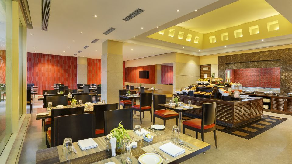 Flavours Restaurant,Hometel Roorkee, Bar In Roorkee 3