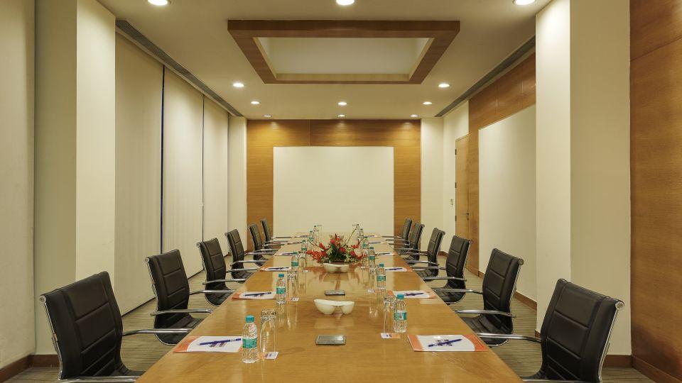 Meeting Room at Hometel Roorkee 5