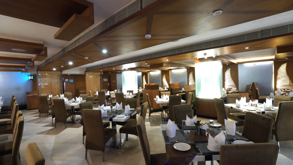 DAKSHIN restaurant at Hotel Daspalla Visakhapatnam 2