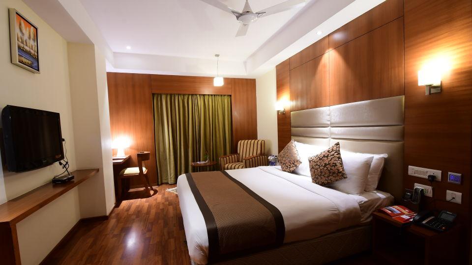 GOLDEN SUITE at Hotel Daspalla Vishakhapatnam 1