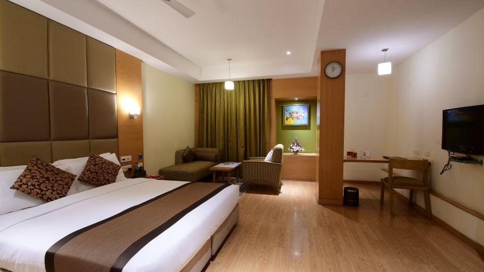 Platinum Deluxe at Hotel Daspalla Vishakhapatnam 1