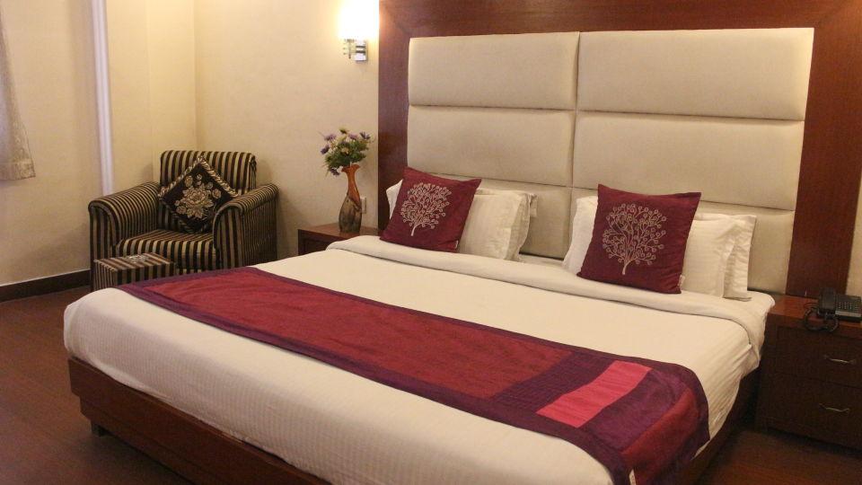 premium room at Hotel Dreamland in Haridwar, hotels in haridwar