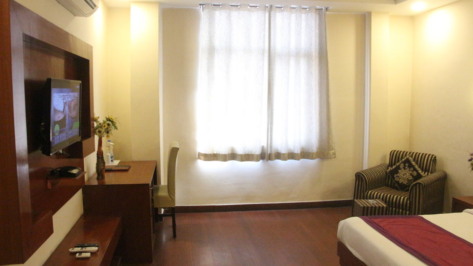 premium room at Hotel Dreamland in Haridwar, hotels in haridwar 1