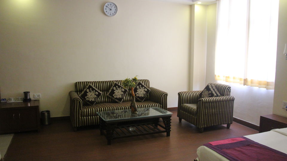 suite room at Hotel Dreamland in Haridwar, hotels in haridwar 1