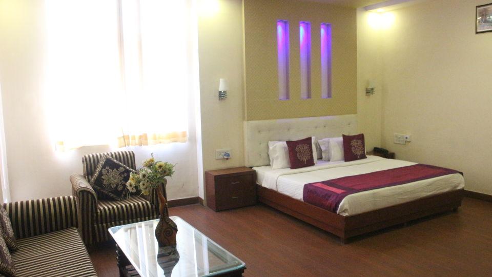 suite room at Hotel Dreamland in Haridwar, hotels in haridwar 2