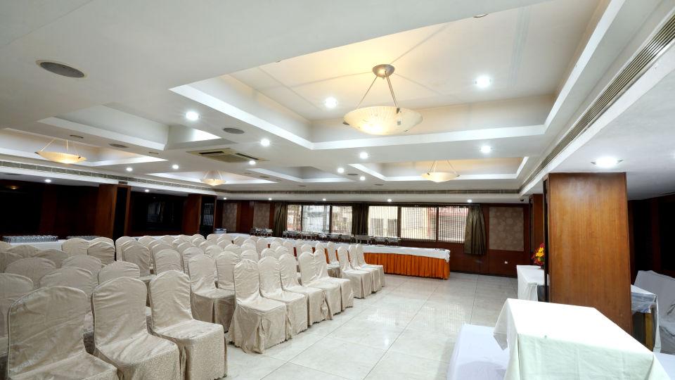Banquet Halls at Hotel Geetha Regency in Guntur 4