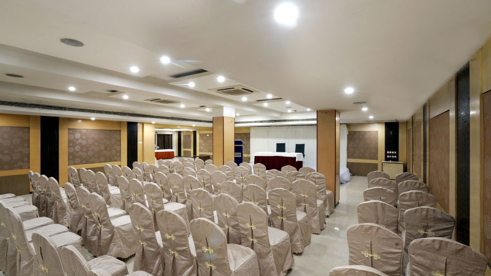 Banquet Halls at Hotel Geetha Regency in Guntur 9