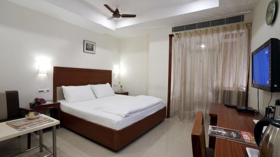 Deluxe Room at Hotel Geetha Regency in Guntur 2