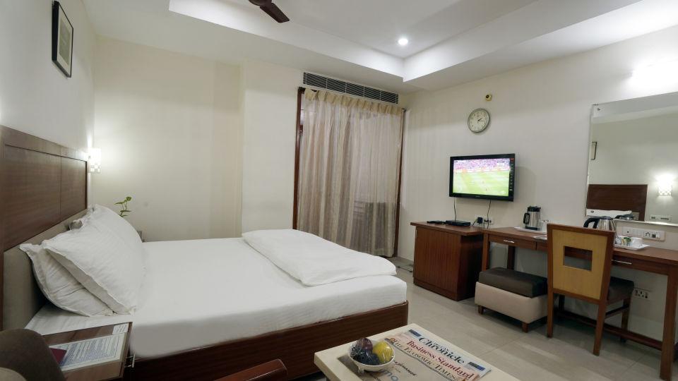 Deluxe Room at Hotel Geetha Regency in Guntur 3