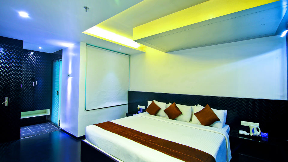 Suites in Chennai, Hotel Gokulam Park Chennai, Stay Near Ashok Road 2466