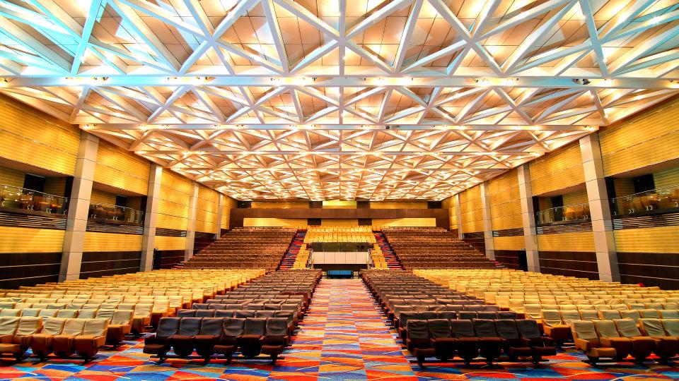 Sabari Hall at gokulam park and convention centre kochi , confreence halls in kochi 2