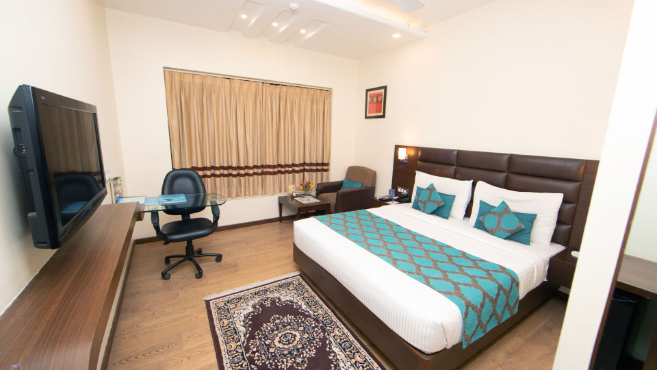 Executive Room Master Bed
