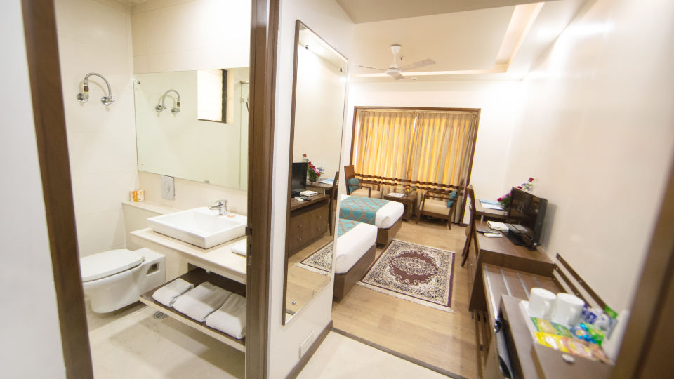 Executive Room Twin Bed with Wash Room