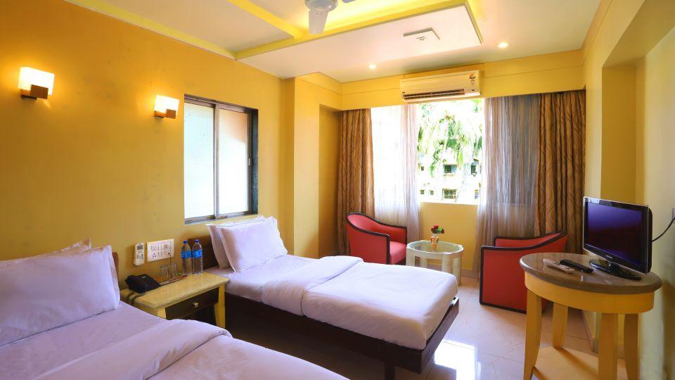 Hotels in Dapoli Karde beach