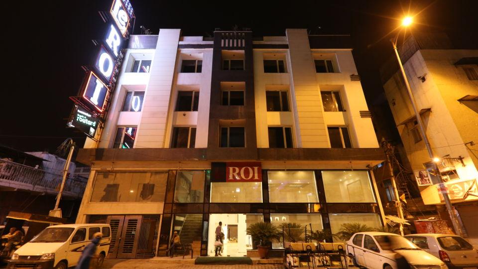 Facade of Le ROI Delhi Hotel Paharganj