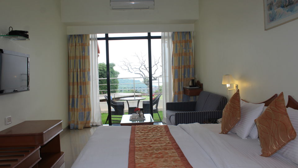Mango Classic at Mango Hotels Valley View Mahabaleshwar,  Stay In Mahabaleshwar 0859