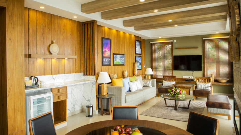 Royal Suite Moksha Himalaya Spa Resort Parwanoo 5