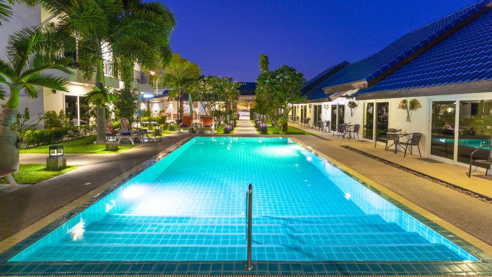 9 - Swimming Pool