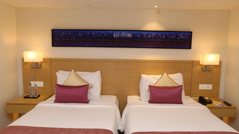 Deluxe Rooms Sarovar Portico Ahmedabad 9
