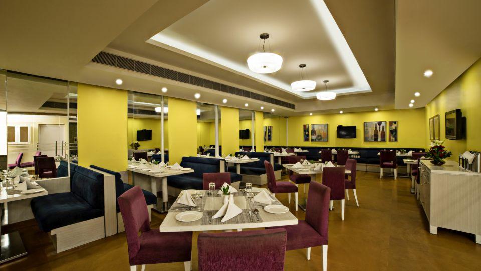 Dining at Sarovar Portico Naraina 4