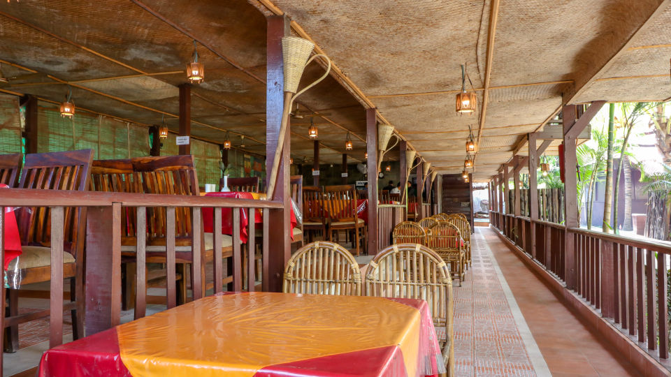 Restaurant Charcoal 4