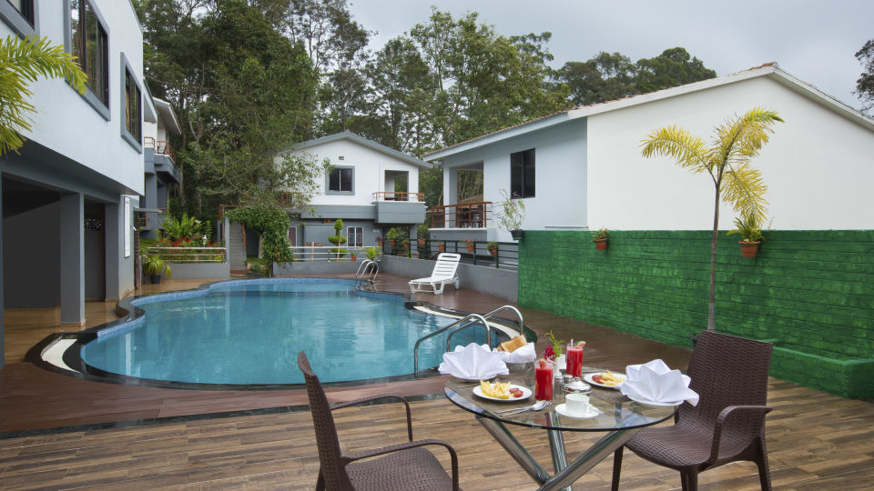 Pool Side Restaurant at TGI Star Holiday Resort Yercaud 3