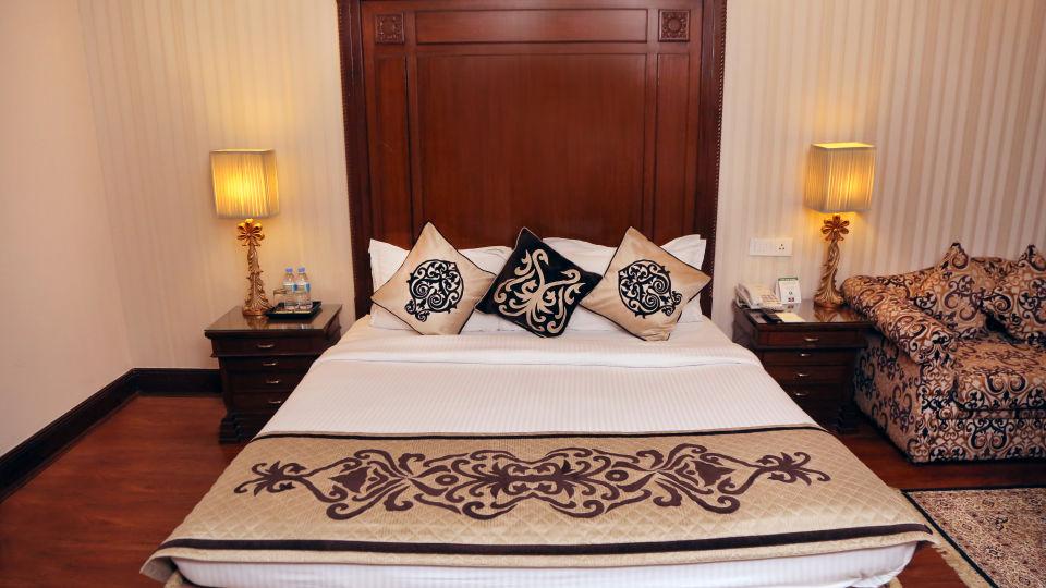 Business Suite, The Bristol Hotel Gurgaon, 5-star Hotel In Gurgaon 7728