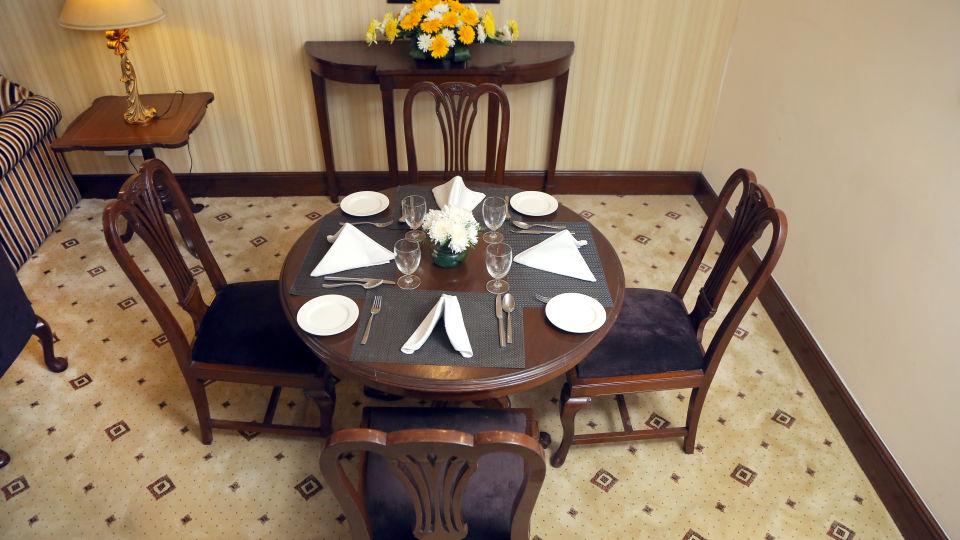 Business Suite, The Bristol Hotel Gurgaon, 5-star Hotel In Gurgaon 7758