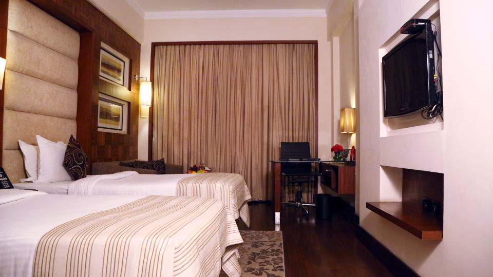 Deluxe Rooms at The Bristol Hotel Gurgaon, Rooms in Gurgaon 1