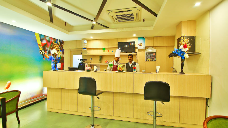 Coffee Shop at The Gokulam Park Kochi 2