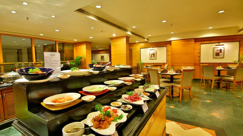 Periyar restaurant at The Gokulam Park Kochi 4