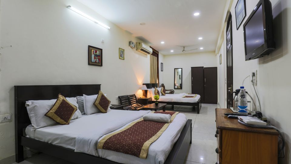 Room at The Hermitage Hotel (By Cosy Hotels), New Delhi27