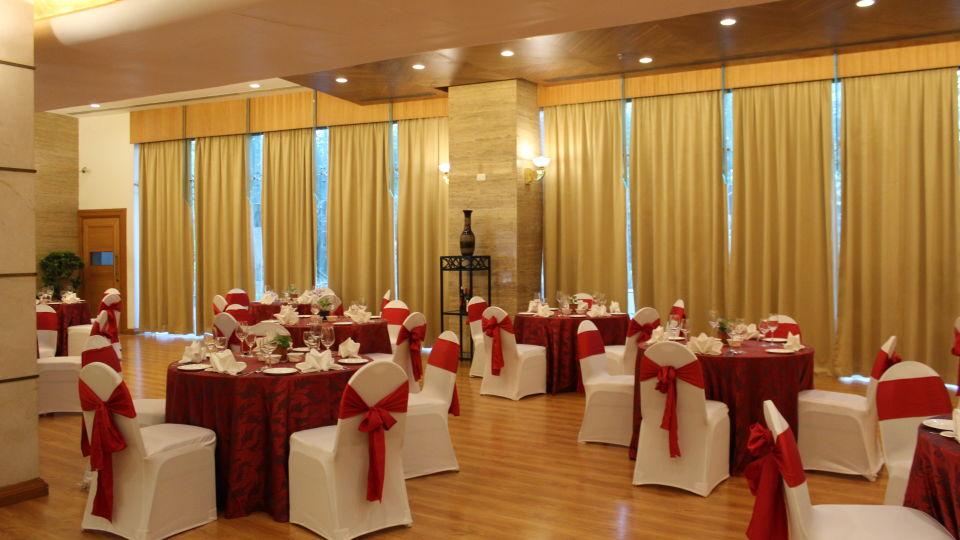 The Orchid Hotel Mumbai Vile Parle Mumbai Prive Banquet Halls The Orchid Hotel Mumbai Vile Parle near Mumbai Airport Domestic Terminal 3