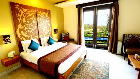 Tiger Suite The golden tusk ramnagar Jim Corbett hotels 4